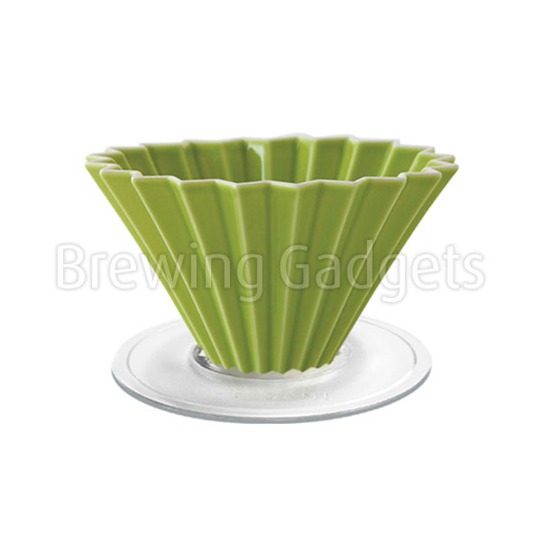 Green Origami Dripper M With Plastic Holder